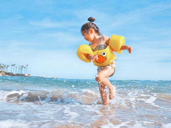 Sunscreen for Kids: Girl Playing in the Water
