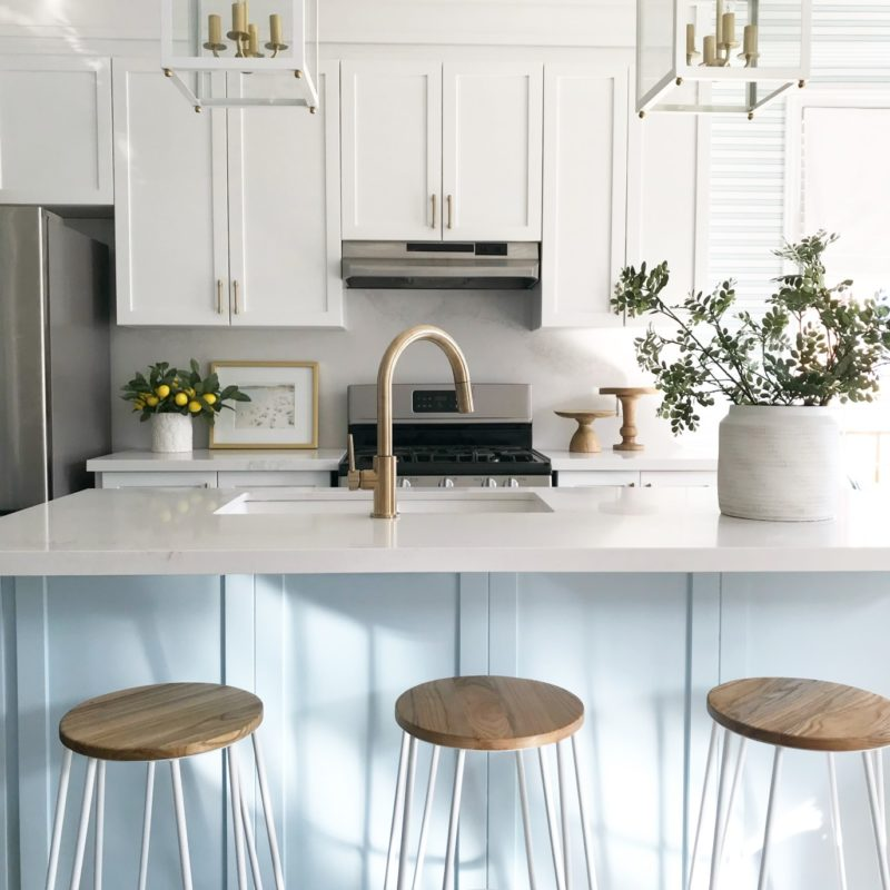 Sarah Gunn: White Kitchen