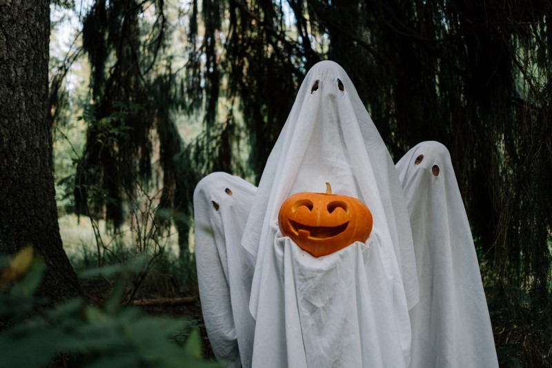 Halloween: Ghosts