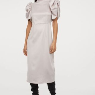 Holiday Fashion: Dress with Short Puffed Sleeves