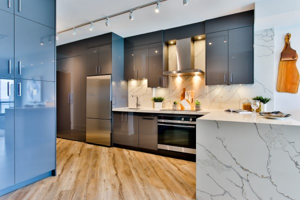 Real Estate: Kitchen