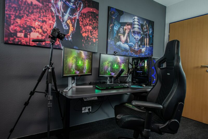 Gaming Lovers: Console Set Up and Chair