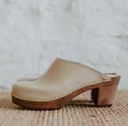 Summer Shoes: Clogs