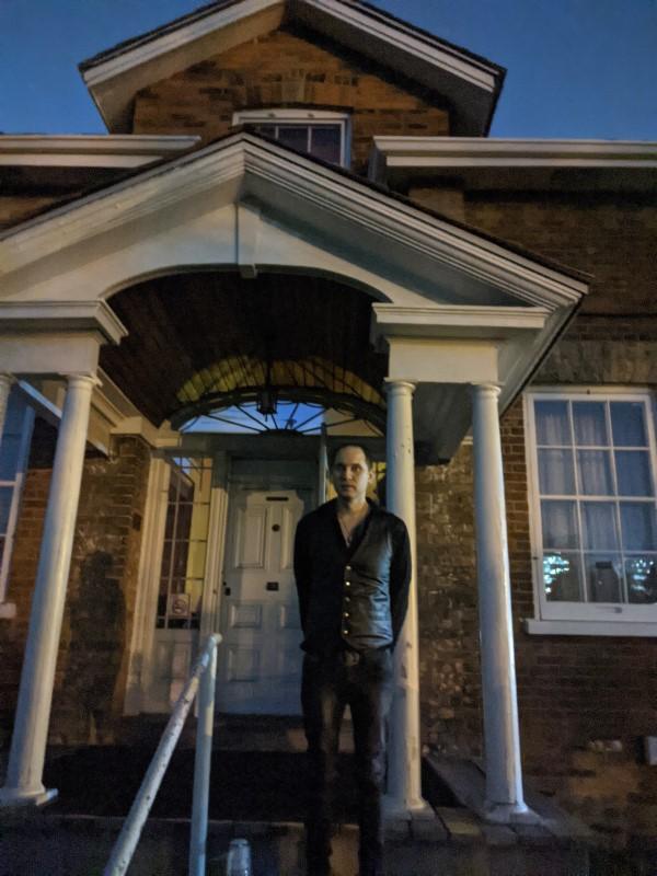 Farmhouse séance: Jaymes White